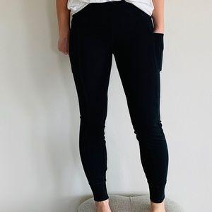Nike Sportswear Essential Black Leggings